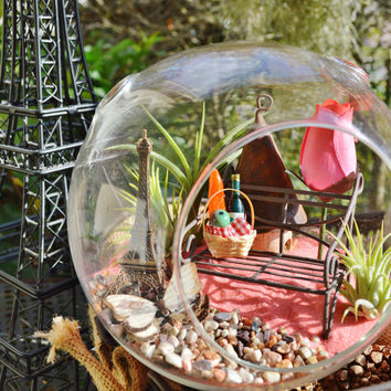 La Vie en Rose ~ France Terrarium ~ Eiffel Tower ~ Bench ~ Picnic Basket ~ Wine and Baguette ~ 3 Air plants ~ Glass Globe - Vivre La France