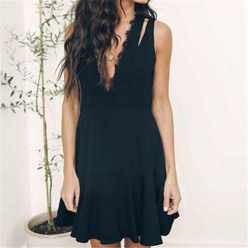 2019 Fashion Elegant Women Sexy Sleeveless Lace Deep V Neck Shoulder Opening Solid Party Dress Formal Mini Dress Sexy Clubwear