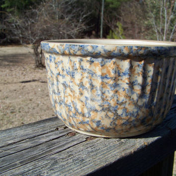 Vintage Red Wing Spongeware Bowl--Redwing--Stoneware Cap Bowl--Mixing--Farmhouse Kitchen--Country--My Vintage Home