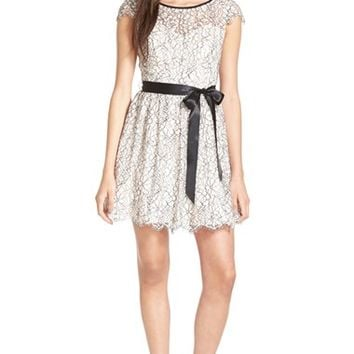 Junior Women's Steppin Out Floral Lace Cap Sleeve Skater Dress,