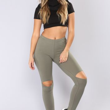 Basic Knee Slit Leggings - Olive