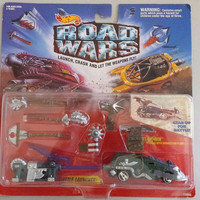 Hot Wheels Vintage 1994 Road Wars Vehicle w/ Attachments Maniax Street Cleaver Unopened Free Shipping