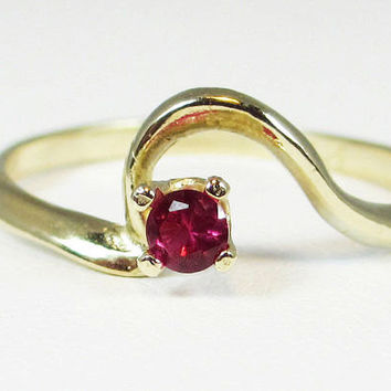 14k Yellow Gold Ruby Swirl July Birthstone Ring