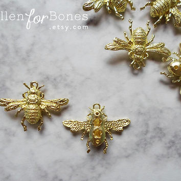 1pc ∙ Little Gold Bumble Bee Charm Insect Pendant Jewelry Supplies