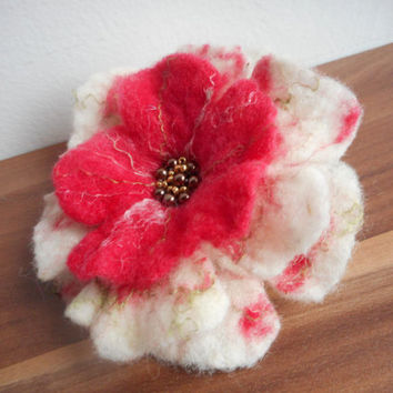 Felt jewelry, White red felt flower brooch,white brooch, silk, pearl, poppy pins felt flower,wool accessories,handmade jewelry,gift for wife