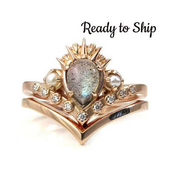 Ready to Ship Size 6-8 - Labradorite Sea Witch Engagement Ring Set - Rose Gold Pointed Stacking Ring Set with Tiny Pearls