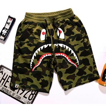 BAPE AAPE Classic Popular Unisex Casual Shark Mouth Print Green Camouflage Sport Shorts Pants I/A