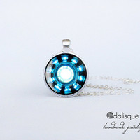 Handmade Iron Man Inspired Arc Reactor Tony Stark Round Glass Silver Pendant Armor Suit cabochon necklace gift present Avengers Blue Power