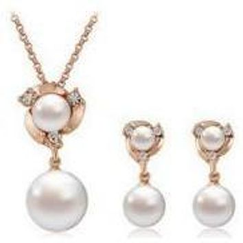 Tristar Rose Gold Pearl Necklace and Earring