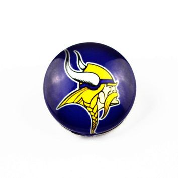 Hot Sale 20pcs Minnesota Vikings Football Sports Team Glass Snap Button 18mm Snap Charms Fit Snap Bracelet Necklace DIY Jewelry
