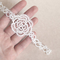 White Rose Bookmark Summer Wedding Favour in Tatting - Rosa Version 3