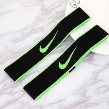 NIKE Sport Yoga Gym Motion Headband Hair Hoop Green