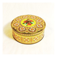 Vintage Round Enameled Daher Metal Tin Box