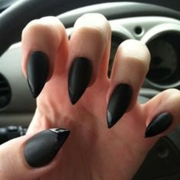 Matte black nails with glossy tips