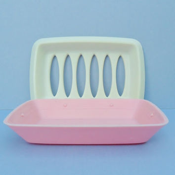 Vintage Plastic Soap Dish 1960s Pink And White Cottage Chic Rubbermaid Pink Bathroom Kitchen Sponge Holder Drainer Dish Business Card Holder