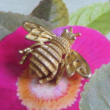 Bumblebee Brooch, Vintage Avon, Gold Tone, Figural Pin, Honey Bee, Insect, Bug, Bumble Bee, Charming Book Piece!