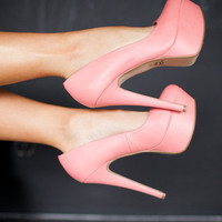 So Romantic Heeled Pumps Coral