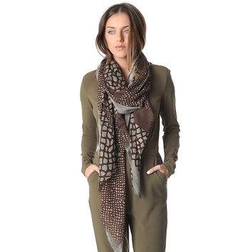 Women's Brown Printed Scarf In Fine Knit