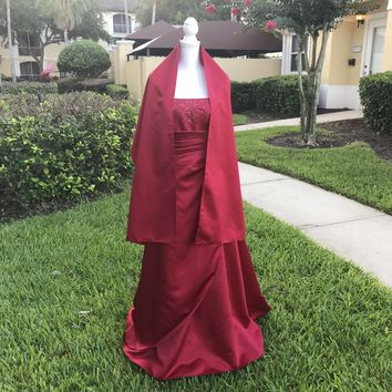 DAVID'S BRIDAL Red Beaded Formal Prom Bridal Gown Dress, Size 6