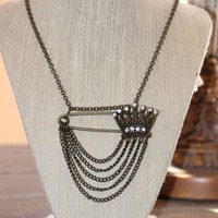 Queen Crown Pin Necklace