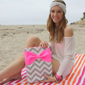 Neon MacBook Pro / Air Case, Laptop Sleeve - Gray and White Chevron Stripes with Dayglo Pink Bow and Back Zipper Pocket - Double Padded