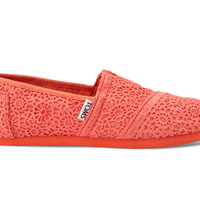 Coral Youth Crochet Classics US