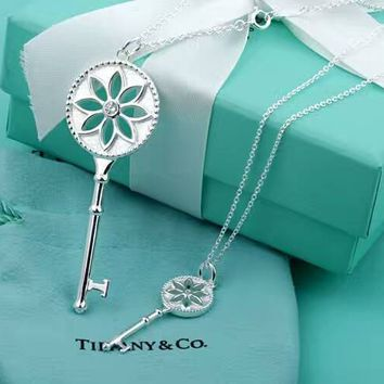 Tiffany trendy sterling silver white daisy white daisy key necklace high quality