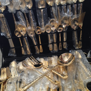 Wm. Rogers & Son Silverplated Enchanted Rose Gold Flatware Set, 63 Piece, 8 Napkin Rings, Service for Twelve, Vinyl Case