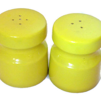 Bright Yellow Ceramic Salt & Pepper Shaker Set Mid Century Modern Design