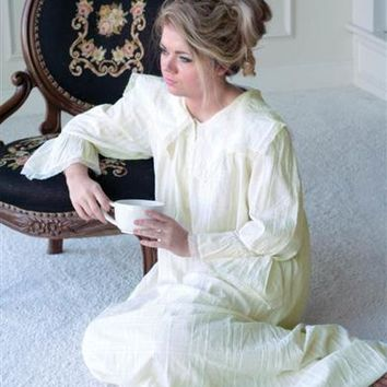 APRIL CORNELL MORNING NIGHTIE - Puritan Collar Nightgown