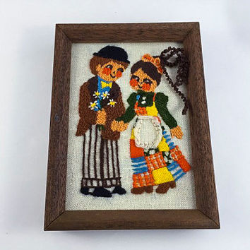 Vintage Crewel Embroidery Wall Hanging Boy And Girl Crewel Big Eye Kids Retro Framed White Orange Yellow Brown Home Decor