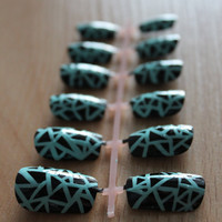 Original Black Tile Mosaic Fake Nails with Mint Background