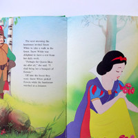 Vintage Walt Disney's Snow White Hardback Children's Book 1986