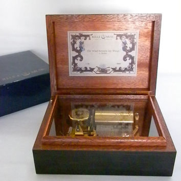 Vintage, Reuge Music Box, 1985 Perfect condition, Made in Switzerland