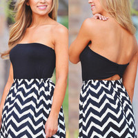 Full Of Surprises Dress - Black