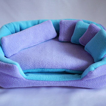cosy cuddle lounge / bed with waterproof blanket and 5 pillows for guinea pigs (lavender/aqua) - Fleece only!