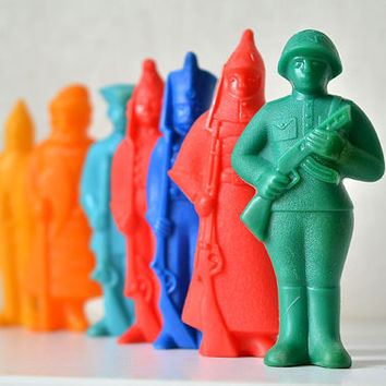 Vintage Soviet souvenir collection 7 toy soldiers of the USSR in military uniforms of different ages