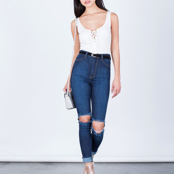 Ripped Knee Stretchy Skinny Jeans