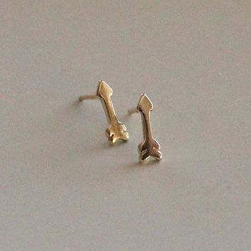 Small Arrow Stud Earrings. Gold Dipped or Sterling Silver. Gift Ideas, Dainty Jewelry.