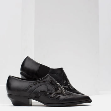 FLAT LEATHER ANKLE BOOTS WITH OPEN-WORK DETAIL