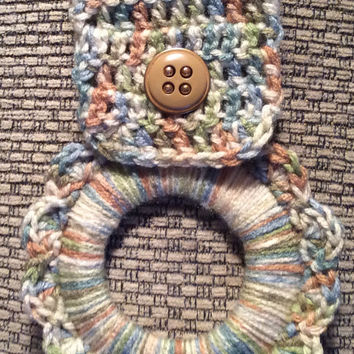 Kitchen towel hanger, dish towel hanger, crochet towel hanger, party favor, game prize, door prize, wedding shower gift, button towel hanger