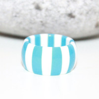 Womens Vintage Rings / Retro Blue White Stripe Chunky Lucite Ring / Jewelry / Size 7