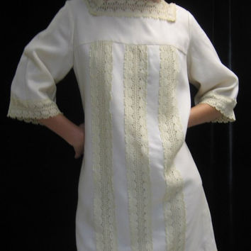 Vintage 60s MOD Ivory Linen and LACE DRESS, Shift Wedding Graduation, Party Bust 38""
