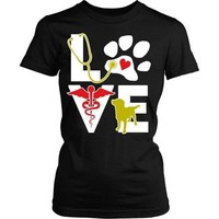 Vet Tech T Shirt - Veterinarian Love dog