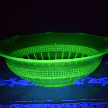 Fostoria Vaseline Glass Bowl Vintage Vaseline Fruit Bowl Uranium Serving Bowl Green Depression Glass Dish Fostoria Vaseline Centerpiece