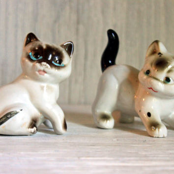 mid century siamese cat pair // 1950s japan // vintage figurines
