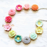 Magpie Flower Necklace by NestPrettyThingsShop on Etsy