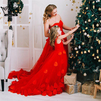 In stock Dress Royal Photography  Red New  Flower Petals Wedding Dresses Sexy Women Girl Wedding Dress Gown 2017