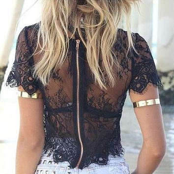 GZDL Vintage Floral Lace Blusas Femininas Short Sleeve O Neck Sexy Hollow Out Women Blouses Zipper Back Summer Crop Tops CL1924
