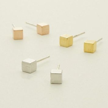 Hfarich New Arrival Hot Tiny Square stud Earrings for Women Simple earrings mom best friend Birthday Gifts Dropshipping
